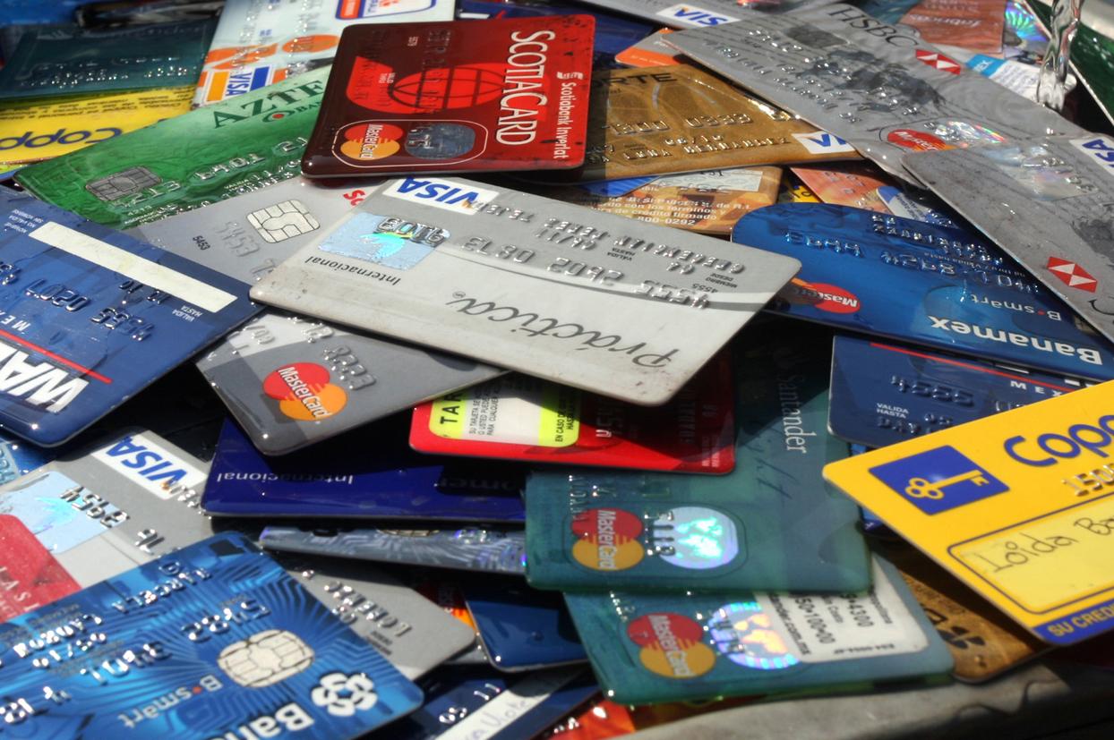 Riesgos y ventajas del uso de las tarjetas de crédito